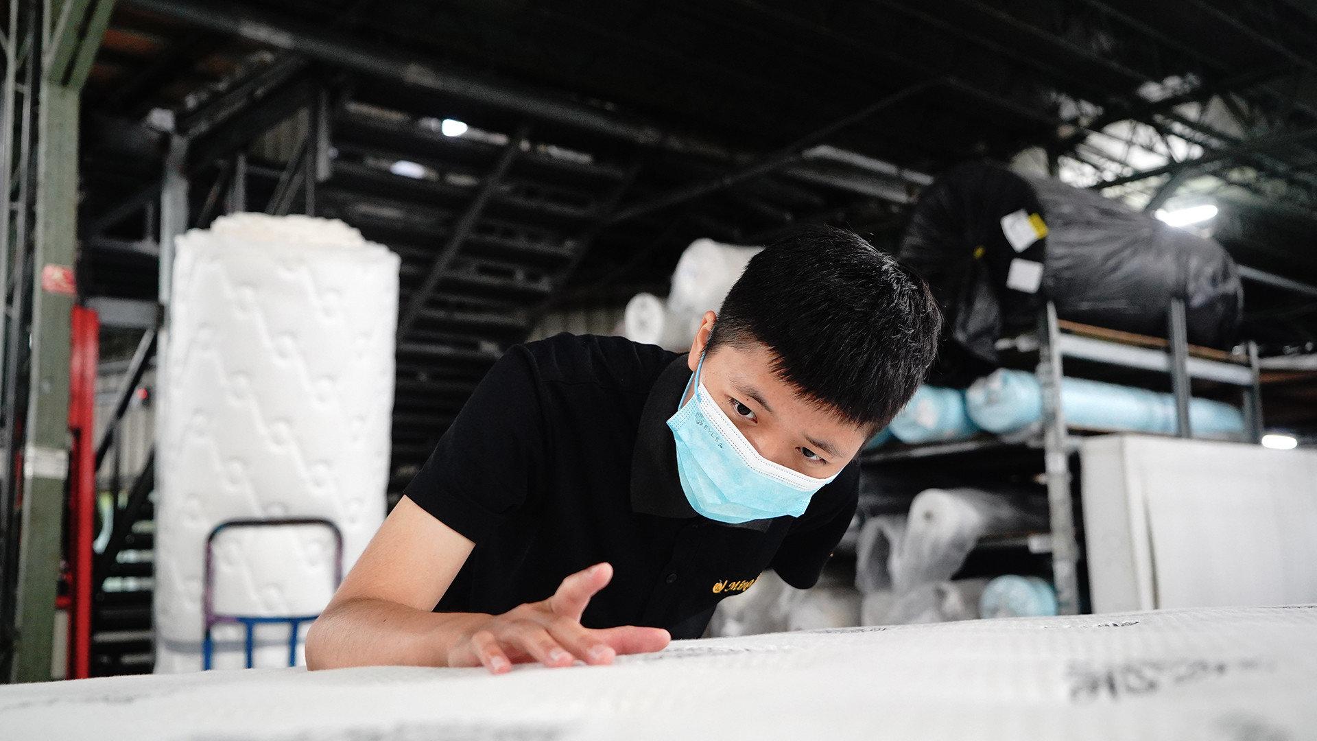明久家具,沙發、床墊工廠直營品牌,為產品品質把關
