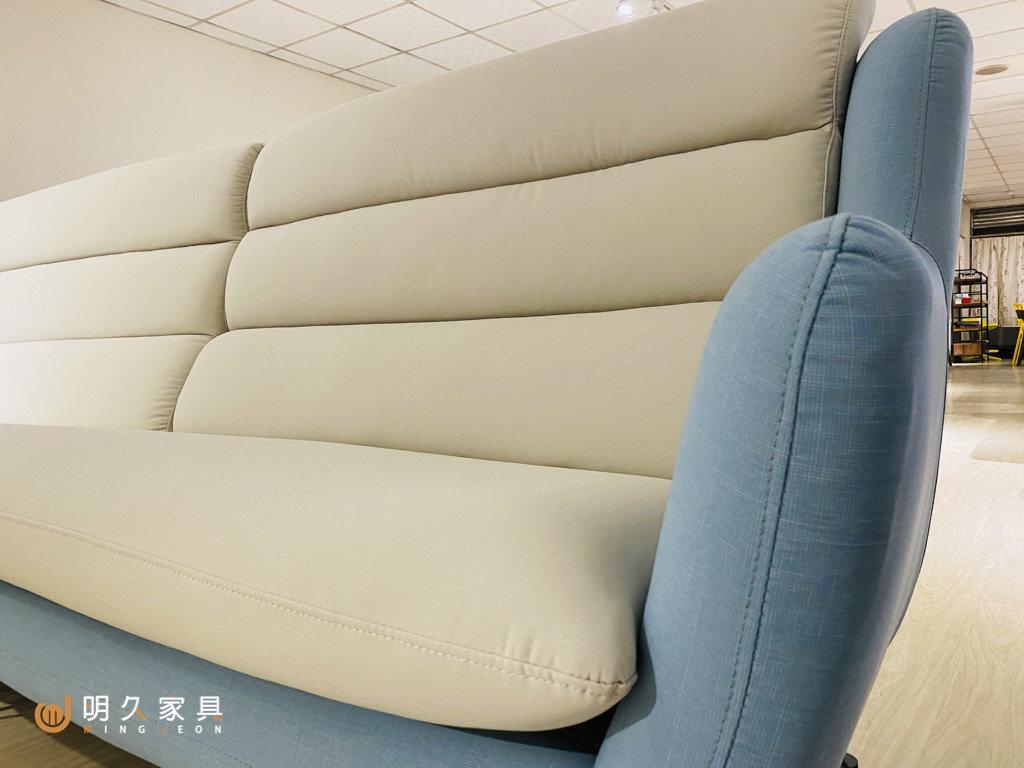 最文青沙發:伊娃沙發,大面積靠枕,一切靠得住