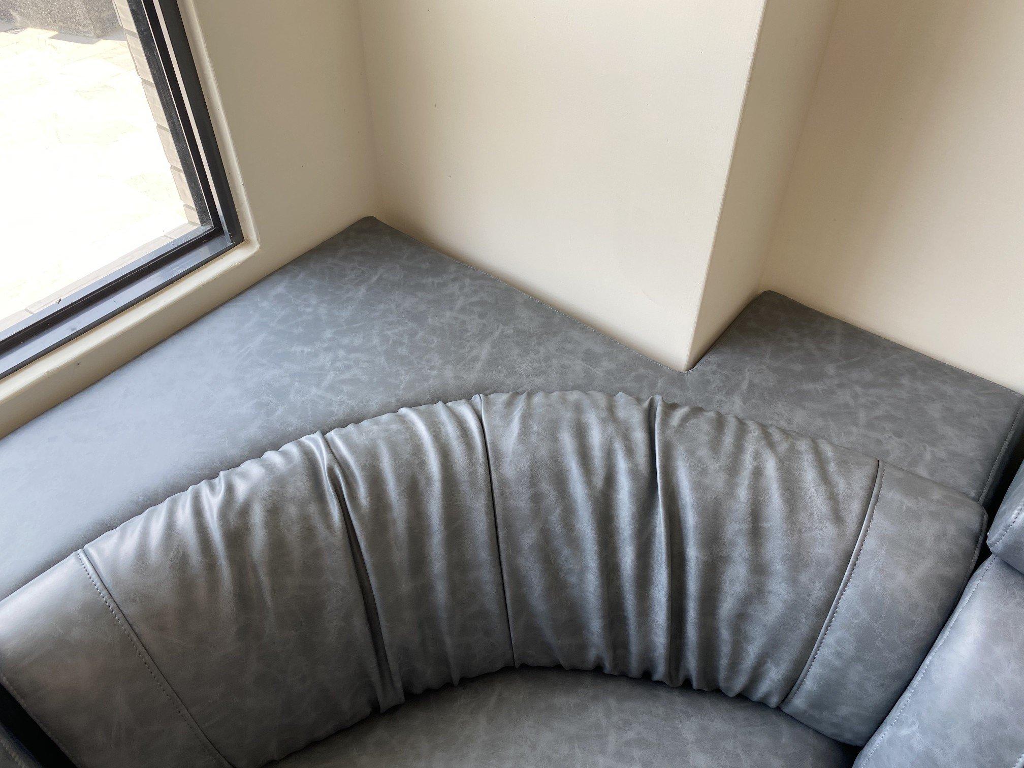 陳小姐客製化麥格轉角沙發,整體俯瞰圖
