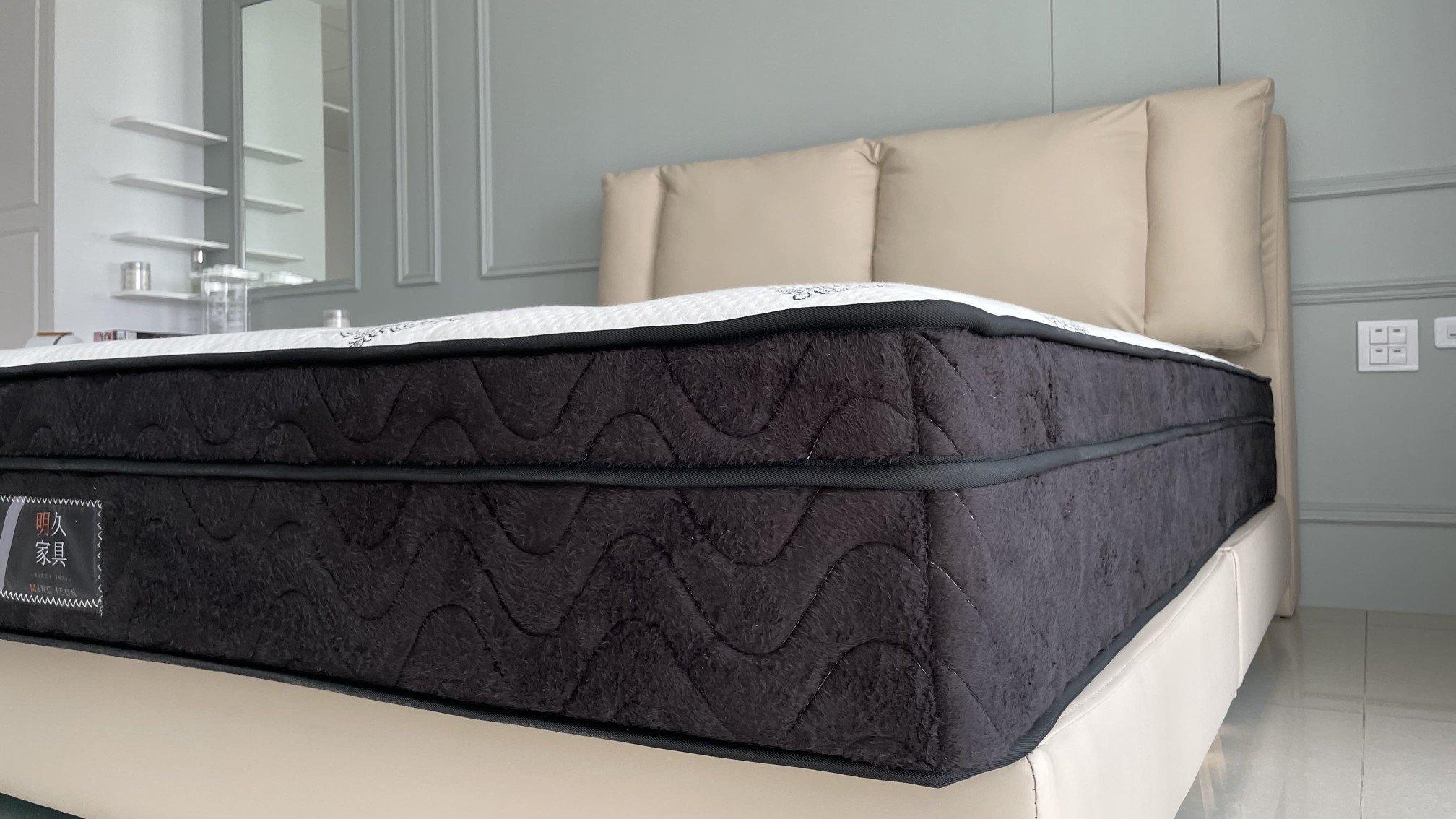 奧莉芙有PU護框設計,使床沿不易塌陷,上下床更安全