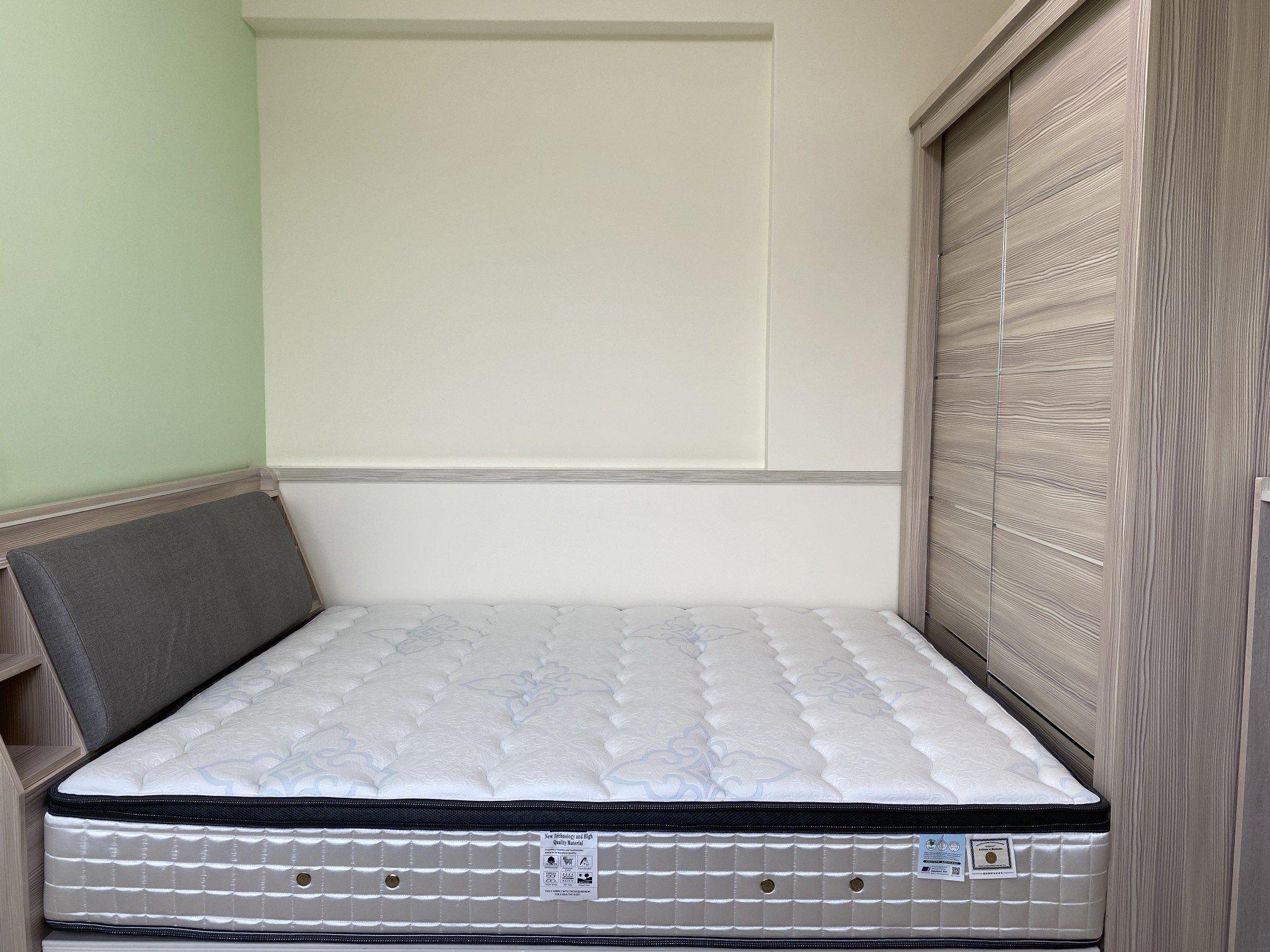 客戶陳小姐家臥房,雙人五尺床墊配置